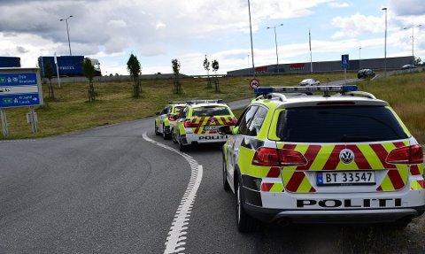 Utrykningspolitiet fikk det travelt under en laserkontroll på E18 tirsdag ettermiddag.