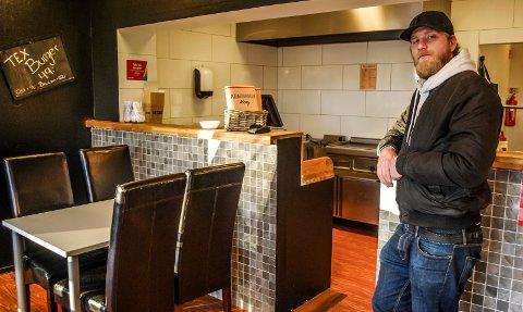 NYÅPNING: Kenny Deivall åpnet Pizzafabrikken på Lande Senter onsdag denne uka.