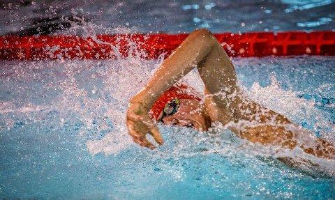 Alfred Twijnstra på vei til en vedig god tid og bronse på 400 meter fri.