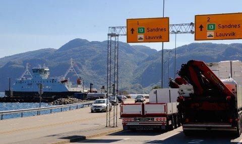 FULLE FERJER: Trafikktallene på ferjene har gått til værs i sommer. Køene fører til forsinkelser, særlig i Høgsfjord-sambandet. (Foto: Roar Larsen)