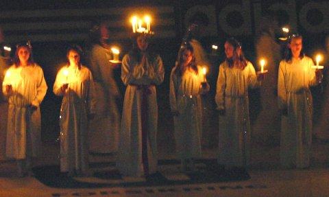 Averøy-elever skal både bake lussekatter og holde luciakonsert 13. desember.