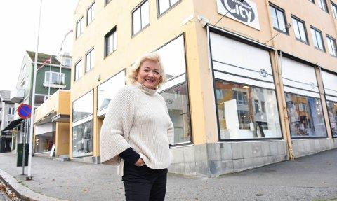 – Dersom dette varer lenge, vet vi ikke hva vi har igjen av næringsliv, sier Elisabeth Hveding som nå har sendt forslag til krisetiltak til ordfører Kjell Neergaard.