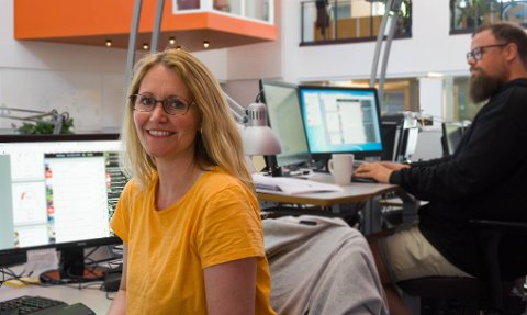 HOLDER DEG OPPDATERT: Suzanne Kristoffersen er frontsjef på tb.no og publiserer opp mot 60 saker om dagen.