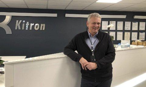 Solid bedrift: Kitron Arendal har lokaler på Stoa i Arendal og i Kilsund. Administrerende direktør Hans Petter Thomassen bor på Strengereidplatået og har sin arbeidsplass i Kilsund. Han har jobbet i Kitron siden 2012, og ledet Arendals-delen av konsernet  siden 2015. Foto: Siri Fossing