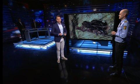 Programleder Jens Christian Nørve og Rune Utne Reitan i politiet diskuterer likfunnet i Lyngør under mandagens program av Åsted Norge.