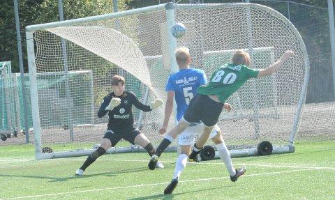 METALLTREFF: Eirik Steine var nær ved å legge på til 2-0 her.