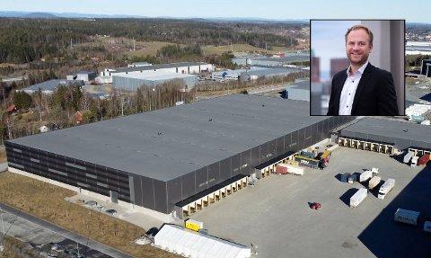 12.000 KVADRATMETER: Anders Lunde Angen (innfelt) er daglig leder for det nye logistikkselskapet som flytter inn i Vestby næringspark øst.