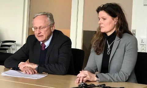 UTE FOR Å LYTTE: Toppsjefen i Helse Sør-Øst, Cathrine Lofthus og styreleder Svein Gjedrem