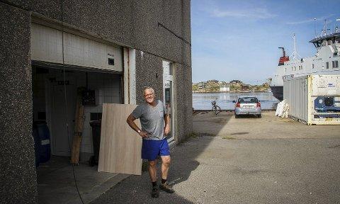 Mot straumen: Edvard Koppen, tidlegare medeigar og dagleg leiar i Fedje Mekaniske Industrier, trur  ikkje Fedje vil verta dårlegare stilt ved å gå inn i ein storkommune.alle FOTO: TROND  Roger nydal