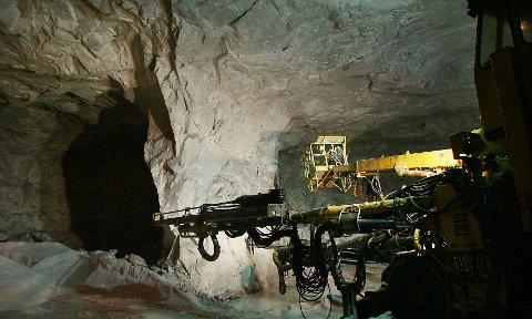 Hammerfall Dolomitt as: Sørfold er en av kommunene der det ikke bare er ressurser, men også vannkraft og tung industri. Arkivfoto