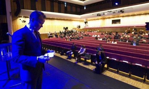 Skarp: Fylkesrådsleder Tomas Norvoll var krass i kritikken under konferansen Industri 2016. Foto: Per Torbjørn Jystad