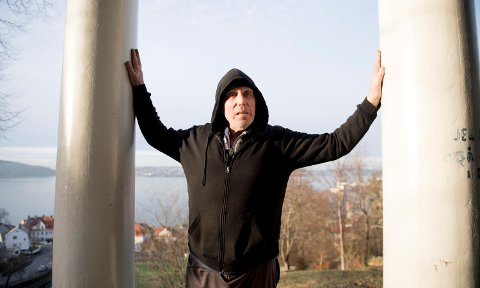 Jørn Oscar Bertelsen (56) sonet i Norgerhaven fengsel i halvannet år. Han skryter uhemmet av oppholdet.