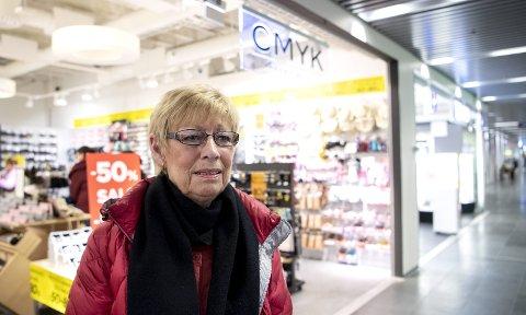 Om få uker legges denne CMYK-butikken i Oasen ned. – Veldig synd. Dette er butikker som har mye fint, samtidig som det er rimelig, sier Bente Mjelstad om avviklingen i CMYK-kjeden.