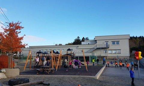 Med oppkjøpet kan bibelsenteret utvide uteområdet til barneskolen de driver.