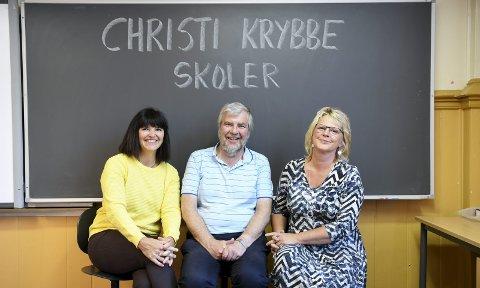 Lærere: Åsta Lygre (50), Helge Eldevik (62) og Brit Reidun (55) er mer enn klare for nok et skoleår               som lærere ved Chisti Krybbe skoler.