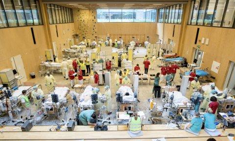 Tidligere i år hadde Helse Bergen  en storstilt øvelse i gymsalen i Glasblokkene.  Disse lokalene skal kunne ta imot 20 intensivpasienter med koronavirus i intensivavdelingens pandemiplan.