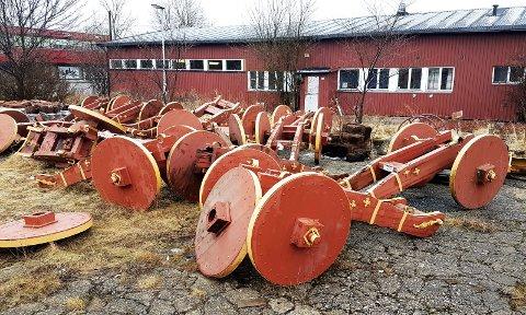 «SØPPELHAUGEN» VOKSER: Her på Mineberget har den ene Gamlebyen-kanonen etter den andre med råtne lavetter blitt plassert de siste årene. Snart får de selskap av fire til.