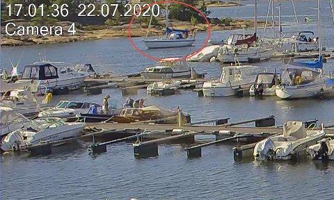 ETTERLYST: Denne seilbåten (med rød ring rundt) etterlyses av Norgesnett etter et strømbrudd 22. juli.
