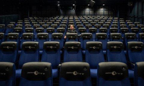 Fredrikstad kino får nesten tre millioner i støtte, men venter fortsatt på hva som skjer   med kompensasjonsmidlene de søkte og fikk tidligere i år.