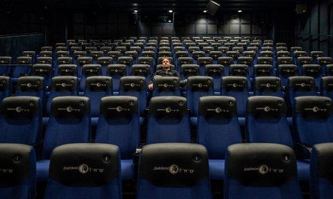Nå er en klage under behandling hos klagenemnda etter at kinoen ikke fikk penger for sommeren, og er bedt om å tilbakebetale 2,4 millioner kroner fra våren 2020.