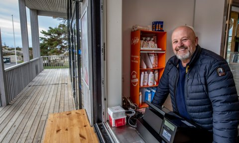Trond Reidar Christensen tok over driften av Foten Kafé for tre år siden. Han døde natt til mandag, 58 år gammel. Arkivfoto: Geir A. Carlsson