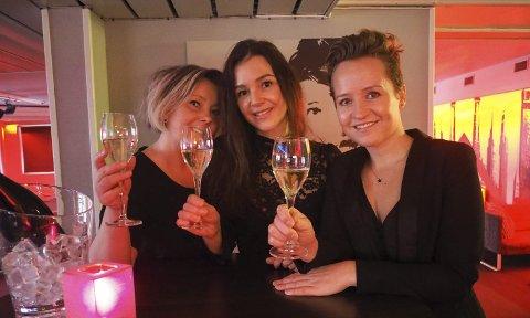 For kvinner: Renée Katrin Bjørstad, Gro Løkås og Linda Lockert Dybwad lover en aften utenom det vanlige til de som vil være med på premieren av Fifty Shades Darker. Foto: Jan Erik Teigen