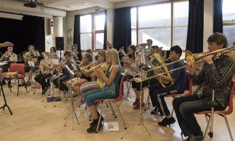 VARIERT: Korpset spiller variert musikk, og er flinke til å lage sosiale arrangementer som passer for alle medlemmene.