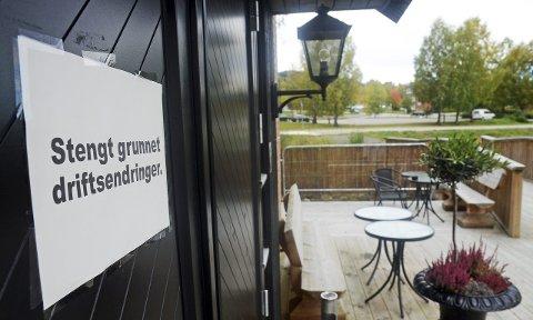 Stengt: De som har lyst til å spise på Garverigaarden, møter nå stengte dører. Restauranten skylder penger og er slått konkurs av Gjøvik tingrett.