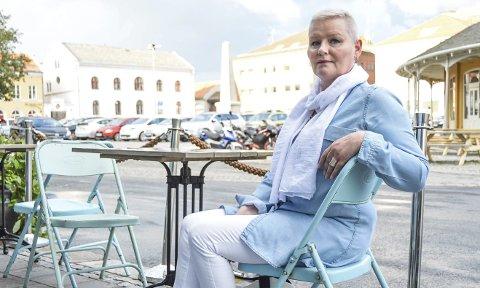 BURSDAGSØNSKE: Liv Torhild Ekra Ornsäter har et klart bursdagsønske i anledning 60-årsdagen. – Jeg ønsker meg flere medlemmer i Nei til EU. Gå inn på siden vår, les deg opp og meld deg inn, oppfordrer hun. Foto: Anja Lillerud