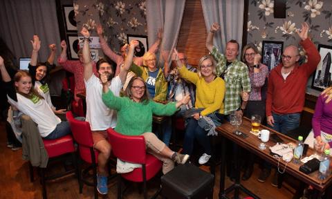 JUBEL: God stemning hos Miljøpartiet de Grønne på Absolut Bar.