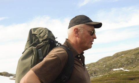 Kart: Per Helge Sekse er grunneigar, sauebonde og jeger på Hardangervidda. Han har mykje lokalkunnskap, og får ros for arbeidet han har lagt ned i arbeidet med framlegg til ny ruta i vest.