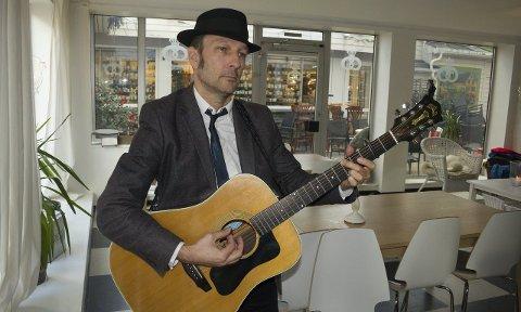 Haugesund: Tom Roger Aaland er klar med nytt album og gjør to opptredener i Haugesund på fredag, to av mange konserter i 2015.FOTO: TRULS HORVEI