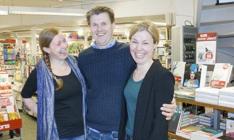 SATSER SAMMEN: Søsknene Marit Hillesland (t.v.), Magnus Hillesland og Marie Johannessen Hillesland. Foto: Ruth Sunnanå Sveistrup