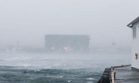 STORM: Slik kan været bli i helga, om det blir storm som meteorologene melder. Her fra Karmsundet. Arkivfoto: Alf-Robert Sommerbakk