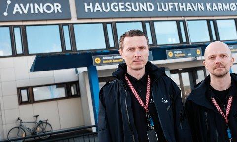 Tillitsvalgte i Delta luftfart Hans Olav Kvalevaag (t.v.) og Ronnie Olander Eriksen. Foto: Terje Størksen