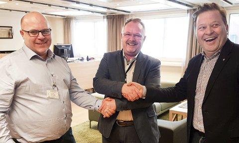 BLE ENIGE: Mange har spekulert i at ordfører Trond Einar Olaussen (t.v.), fiskeriminister Per Sandberg og Arne Hjeltnes ble enige om at Mehamn skal få ekstra fiskekvote da de tre møttes i vinter i departementet.