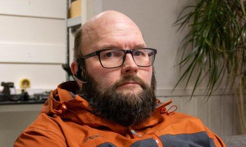 HEVDER KORRUPSJON: Jon Nikolaisen kommer med kraftige beskyldninger mot en politikerkollega i Porsanger.