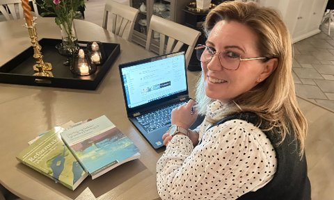 VED SKOLEBENKEN IGJEN: Ann-Christin Holtet fra Aurskog sverget dyrt og hellig på at hun aldri mer skulle gå på skolen da hun var russ. Der tok 52-åringen feil...