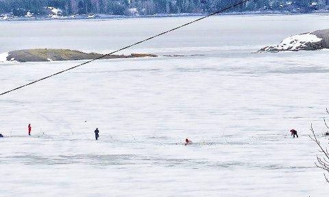 KATTHOLMANE: Isen på dette stedet er mer beskyttet mot strømmen enn lenger sør. Foto: Trygve Eriksen