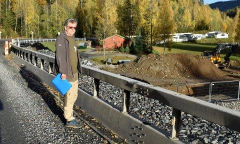 IKKE FORNØYD: Per Torstein Hellumbråten, driver av Holman Camping i Rollag, er ikke fornøyd med hvordan de har gått fram i forbindelse med utvidelsen av fylkesvei 40. Viken selv mener det ikke er grunn til å ta selvkritikk.
