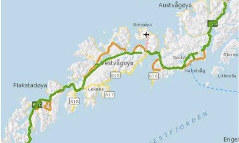 FLYPLASS OG E10: Statens vegvesen forutsetter at det etableres en ny større felles lufthavn for Lofoten på Gimsøy for at oppgradering og fartsheving på E10 skal finne sted. Vegvesenet har allerede plassert inn flyet på Gimsøy. Innfelt: På dialogmøte i Svolvær møtte 31 næringslivsledere og politikere.