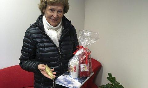 Vinner: Inger Anne Schultz i Svolvær vant rebuskonkurransen til Lofotposten under årets Lofotfishing i Kabelvåg.