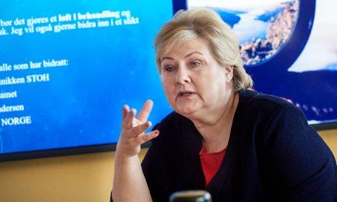 INVITERTE NAMSSKOGANORDFØRER: Statsminister Erna Solberg har avsatt halvannen time torsdag, for å snakke med blant annet ordfører Stian Brekkvassmo i Namsskogan om rovdyrkrisen i Namdalen.