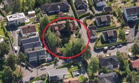 Denne gamle boligen i Midtåsen 16 og skal erstattes av nye boliger.