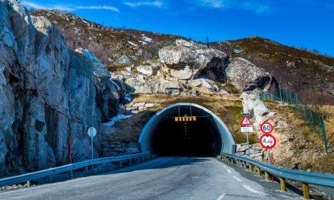 STENGT: Oterviktunnelen ble stengt etter steinraset onsdag.
