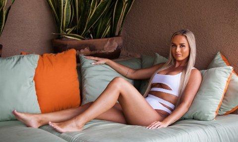 """UTE: Ine Mausethagen fra Ringsaker måtte pakke sakene og forlate """"Paradise Hotel"""" mandag."""