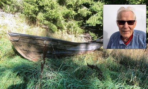 I SKOGEN: Denne båten er plassert i skogen til Lars Gulla.