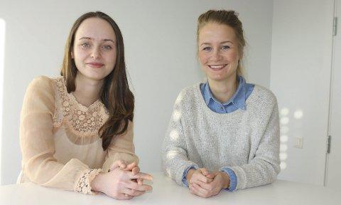 SISTE NYTT: På energiseminaret i Ås får deltakerne vite om de nyeste ideene innen energikilder, forteller NMBU-studentene  Rebekka Krystad og Helle Myrthel Kvalvik. FOTO: VIVI RIAN