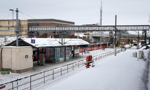 SMELL: Bane Nor sender ut nå SMS-varsel om spreningsarbeider i Ski.