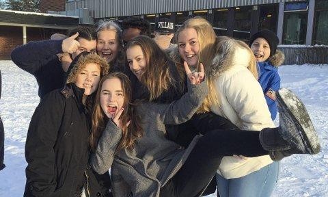 Samhold: Zara S.F. Cehajic, Karoline B. Johansen, Said A. Hujaale, Simen Haugen, Tuva F.J. Digre, Jenny S.S. Esborg, Amalie T. Arkemark, Emilie S. Holthe og Halvor Lindhjem.